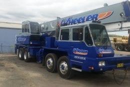 302 - 30T Kato Truck Crane